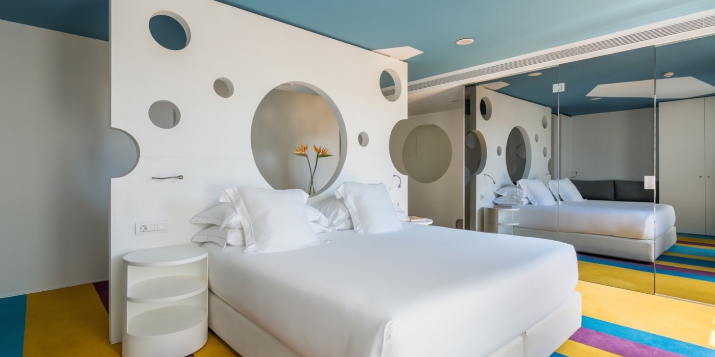 /media/post/8aubhp7/barcellona__tutti_hotel_accessibili_room_mate_pau_hotel_barcelona_suite.jpg
