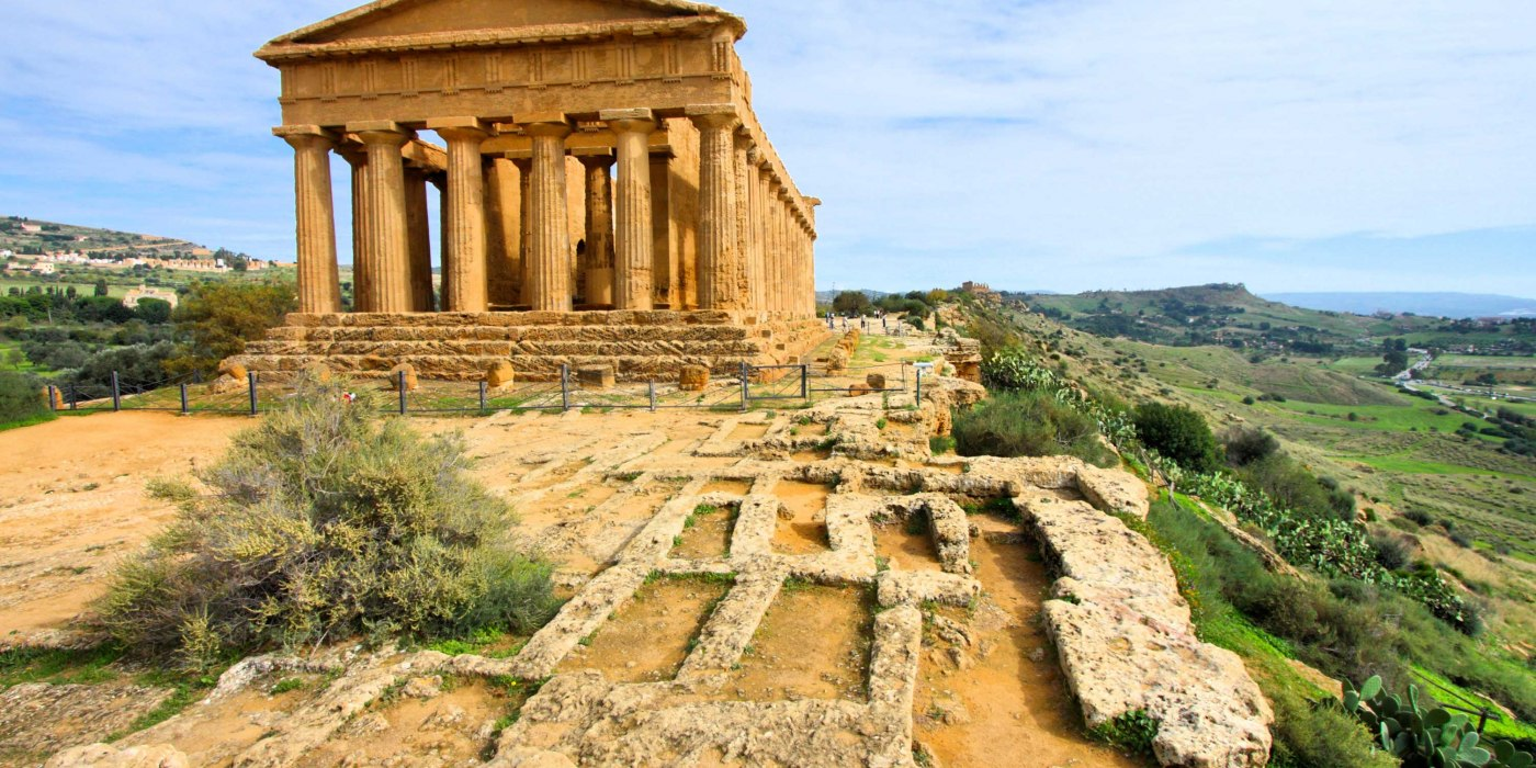 /media/post/r8re3v8/agrigento_valle_dei_valle_valle_vista.jpg