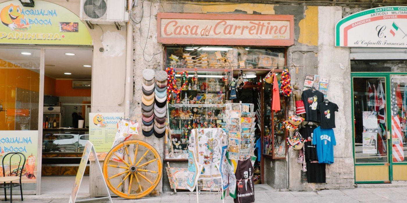 /media/post/s3av7pg/shopping_a_palermo_casa_del_carrettino.jpg